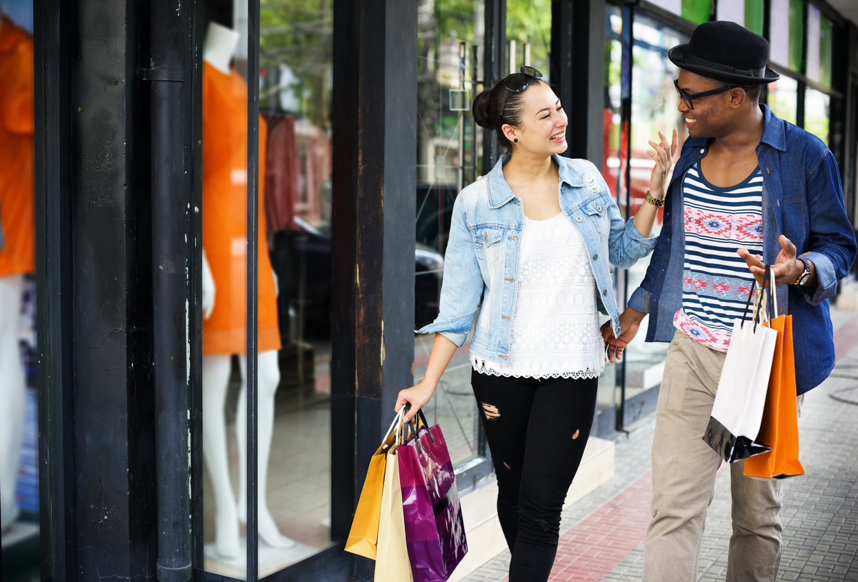 Young couple shopping at University Mall